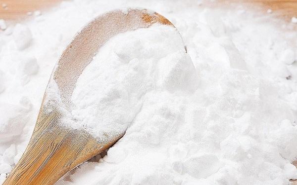 Cách làm trắng răng bằng banking soda