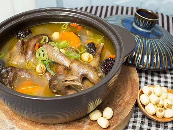 Món ăn trị viêm xoang: Bồ câu hầm thuốc bắc